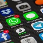 تطبيق واتس آب يحظر 2 مليون حساب شهرياً لمنع الرسائل المُزعجة والأخبار المزيفة!